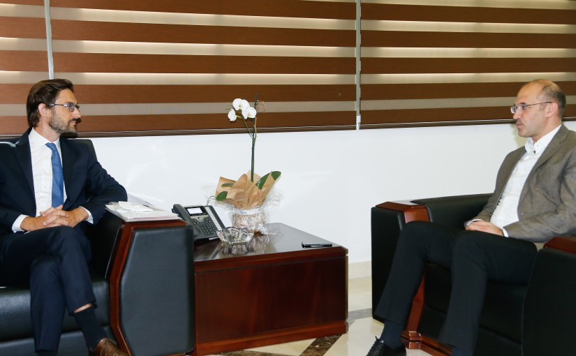 Minister Hassan Hamad meets a French Delegation