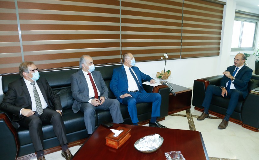 Minister Hassan Hamad meets a Delegation from Democratic MPs Bloc