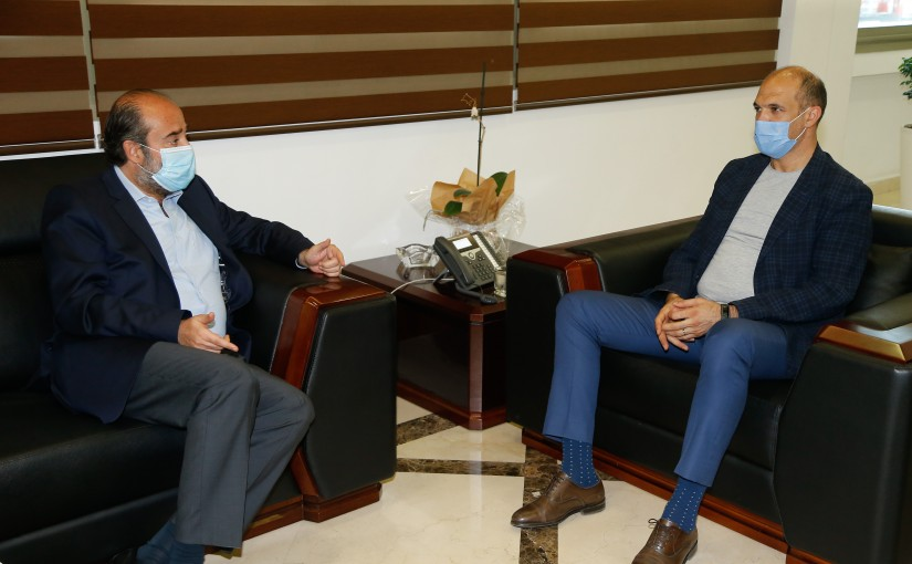 Minister Hassan Hamad meets MP George Oukaiss