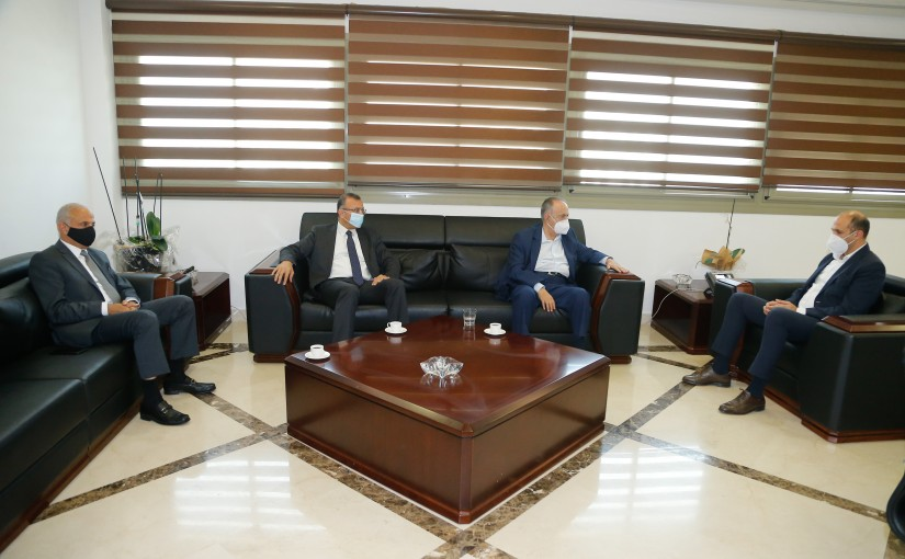 Minister Hassan Hamad meets a Delegation from Central Independent MP