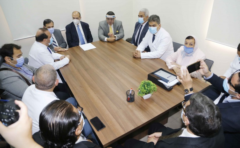 Minister Hassan Hamad Visits Arab College University