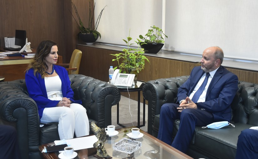 Minister Manal Abdel Samad meets a Delegation from Lebanese Labor