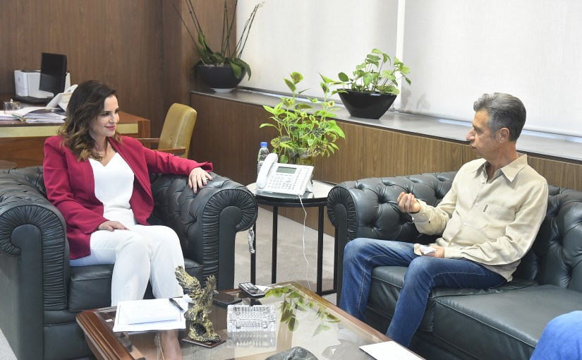 Minister Manal Abdel Samad meets Former MP Abdullah Farhat with a Delegation