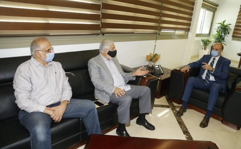 Minister Hassan Hamad meets MP Jihad el Samad