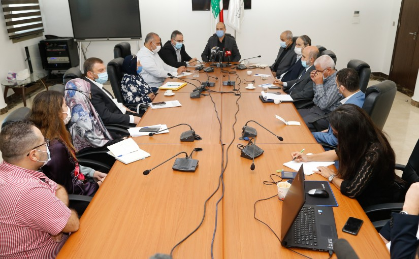Minister Hassan Hamad meets a Delegation from Information Committee