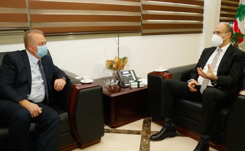 Minister Hassan Hamad meets Russian Ambassador
