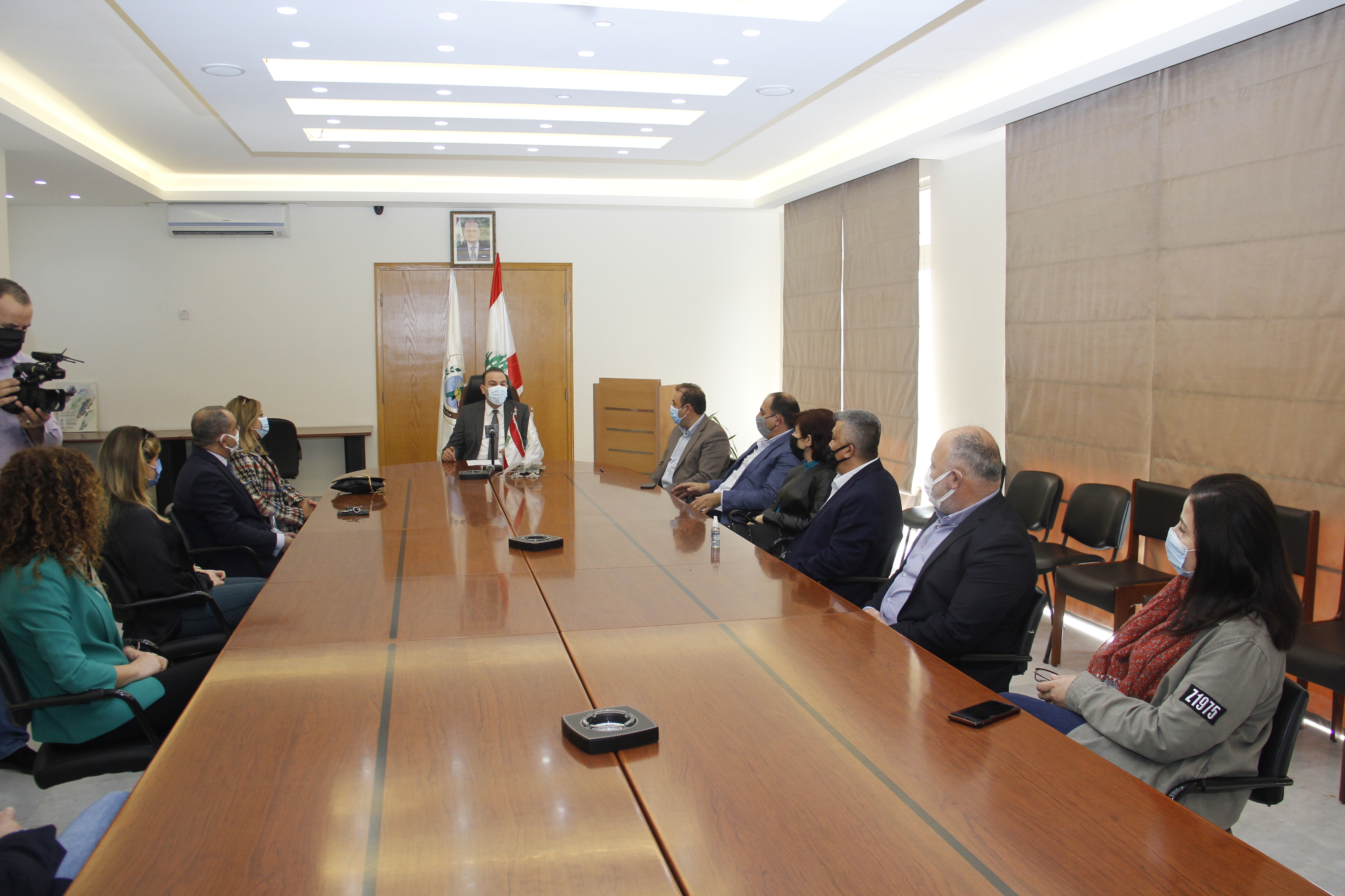 وزير الزراعة استقبل عميدة كلية الزراعة في الجامعة اللبنانية د. نادين ناصيف مع مج(1)