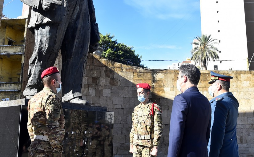 Former Minister Nicolas sehnaoui put a Wreath on the Statue of President Bechara El-Khoury