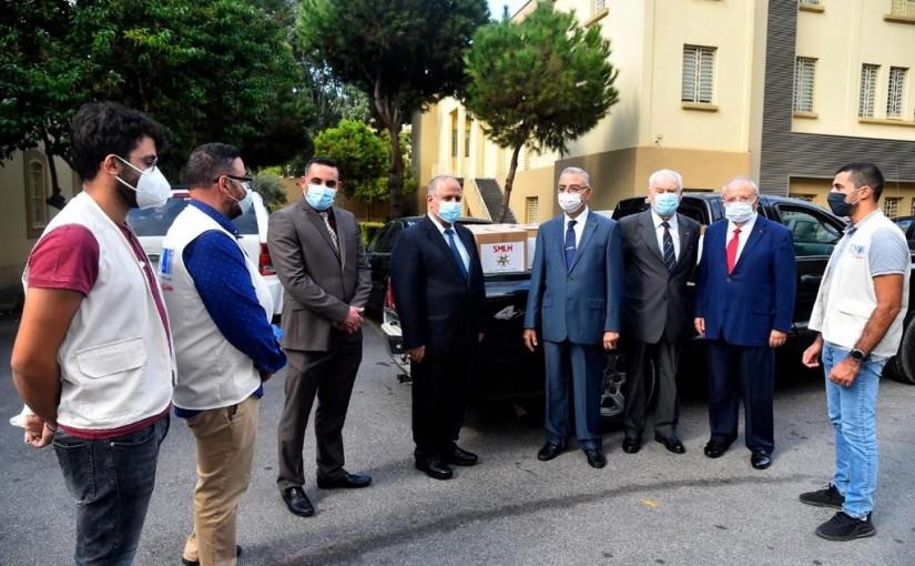 "Association of members of the Legion of Honor in Lebanon ""Légion dˈHonneur"" distributing aid to USJ College & Khandak el Ghamik Street in Beirut"
