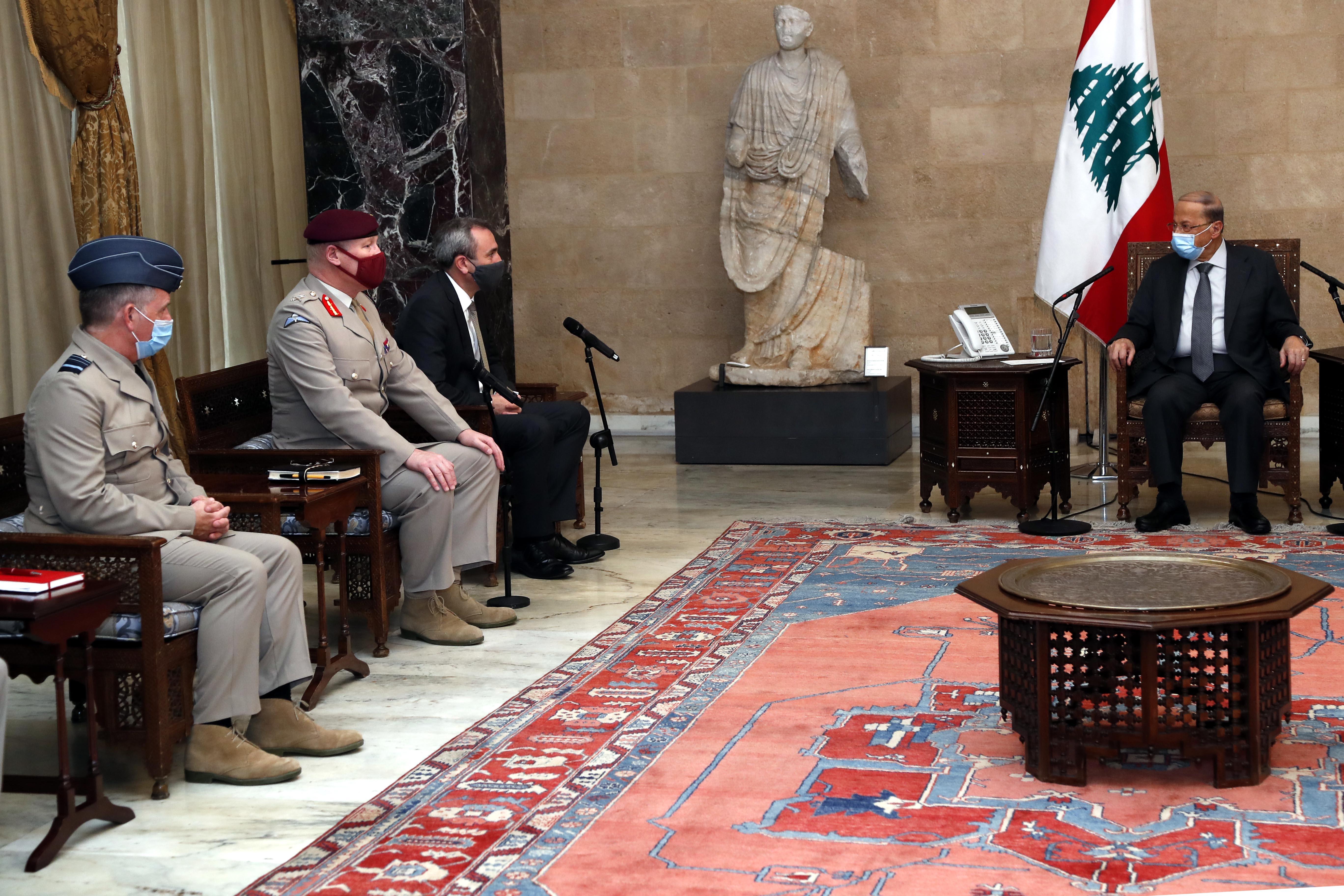 01 - UK Ambassador Chris Rampling  with a Delegation (2)
