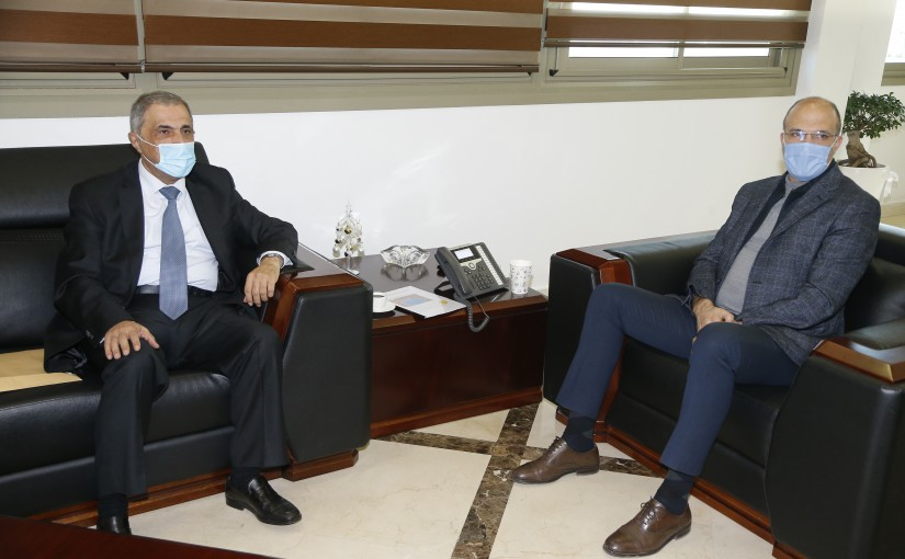 Minister Hassan Hamad meets MP Kassem Hashem