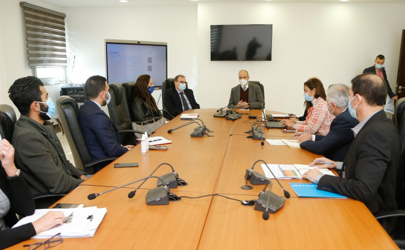 Minister Hassan Hamad Heading a meeting regarding the vaccination plan for the Palestinians