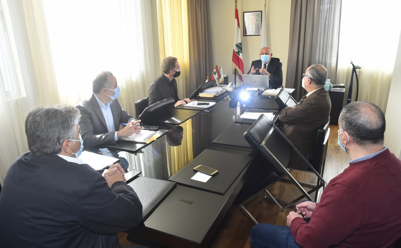 Minister Imad Heballah meets a Delegation from representatives of cement companies