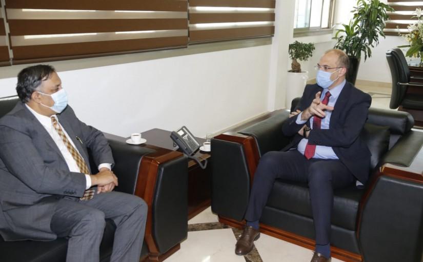 Minister Hassan Hamad meets Indian Ambassador