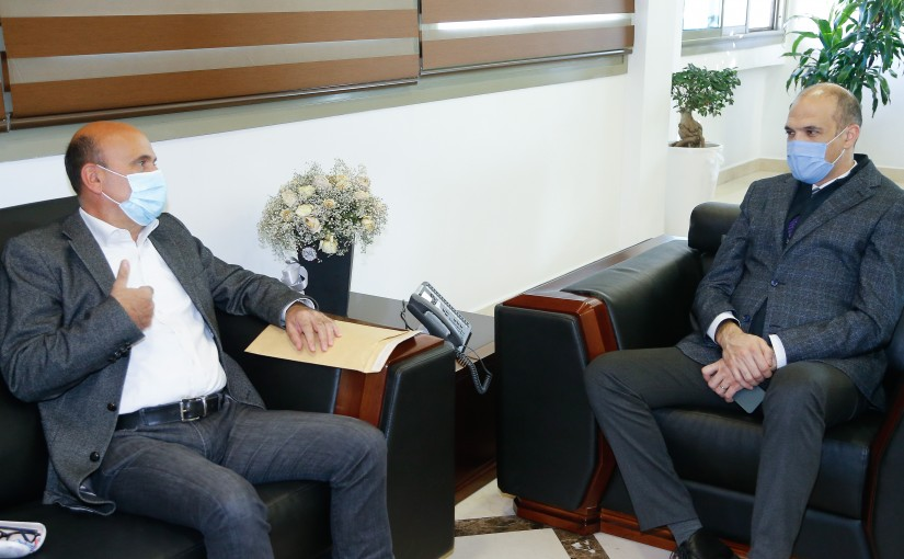 Minister Hassan Hamad meets MP Simon Abi Ramia
