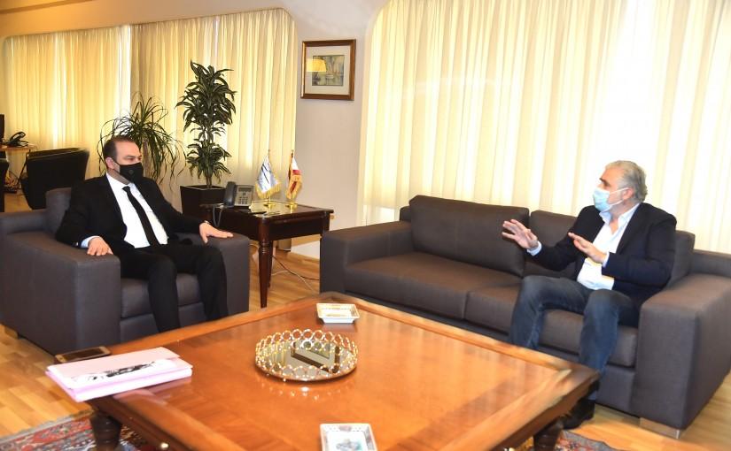 Minister Abass Mourtada meets Mr Jamal Itani