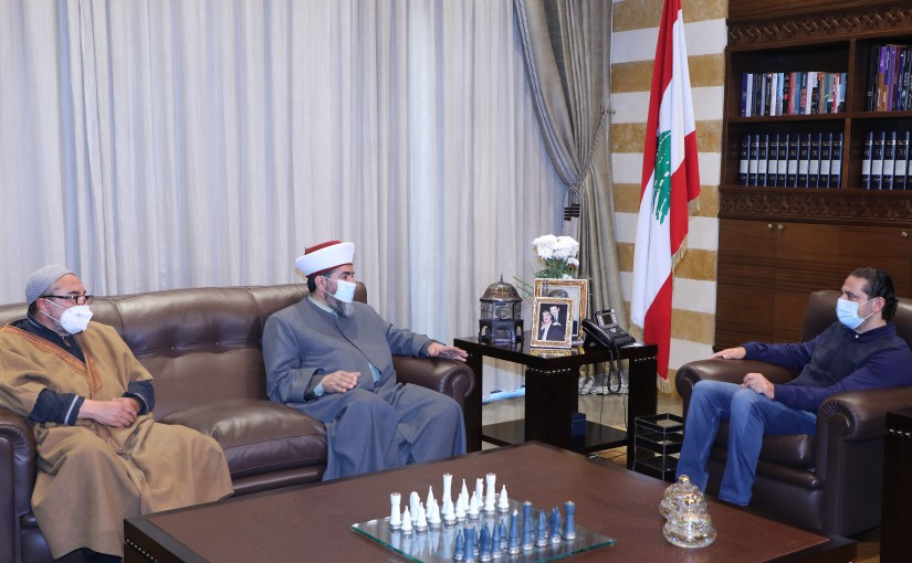 Pr Minister Saad Hariri meets a Delegation from Islamic Scholars