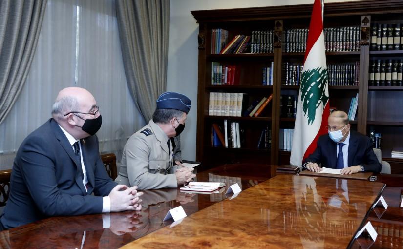 President Michel Aoun meets DSAME Air Marshall Martin (Sammy) Sampson.