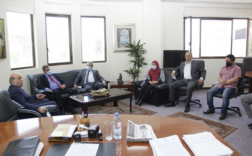 Minister Charbel Wehbeh meets a Delegation of  Lebanese Students