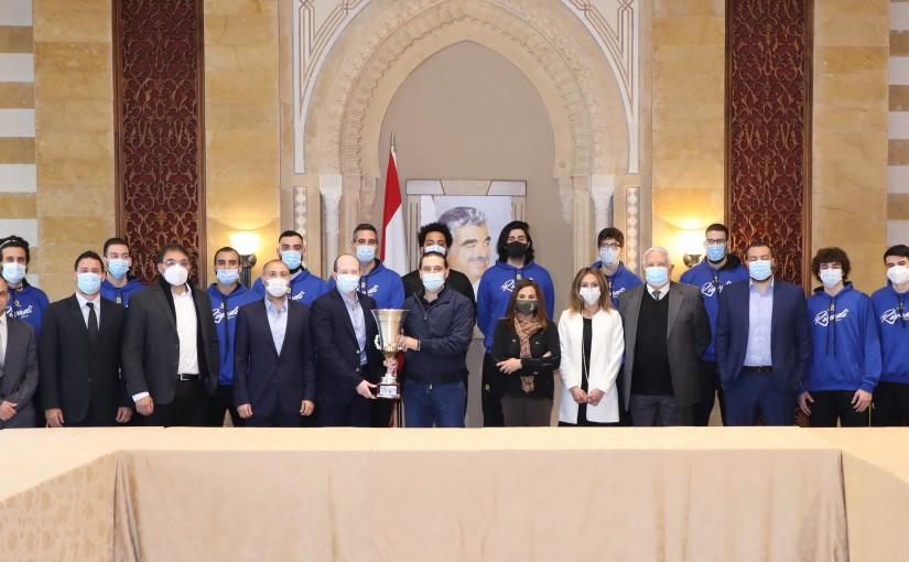 Pr Minister Saad Hariri meets a Delegation from Riyadh Club