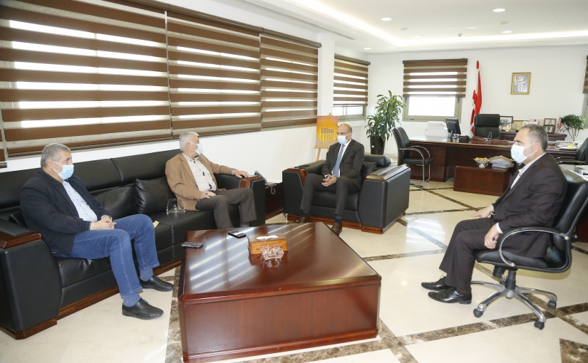 Minister Hassan Hamad meets a Delegation from Lebanese Farmers