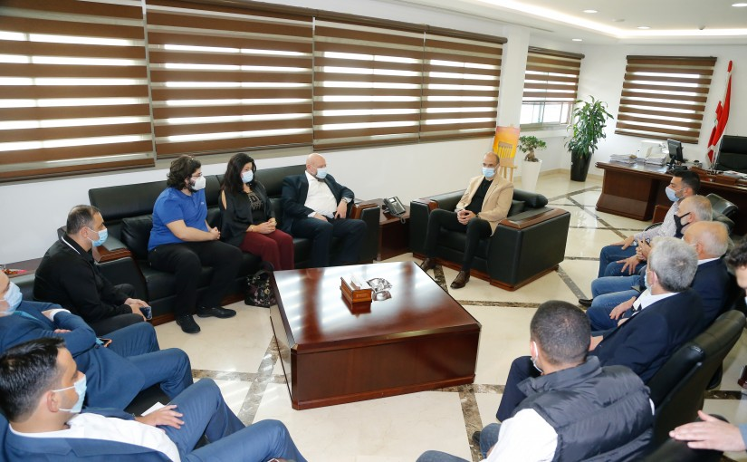 Minister Hassan Hamad meets North Mayor with a Delegation