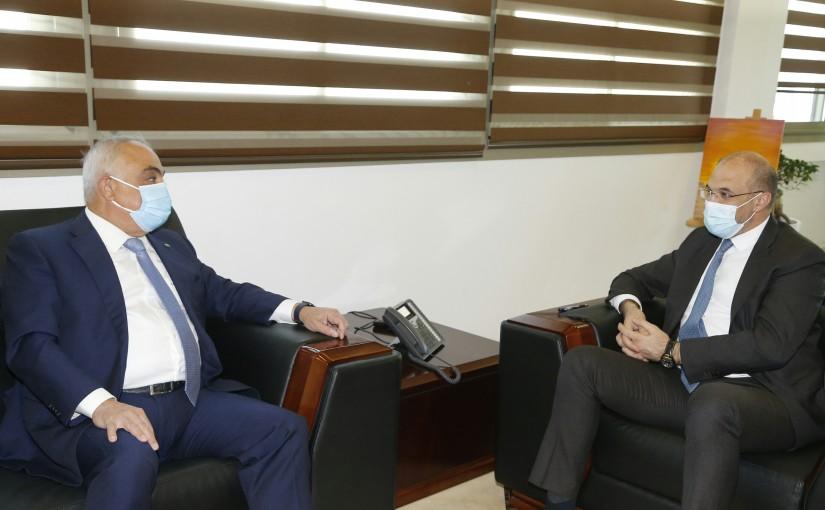 Minister Hassan Hamad meets MP Ahmed el Hajjar