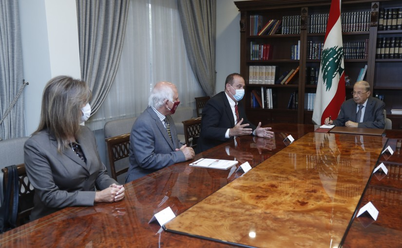 President Michel Aoun Meets Minister Imad Habballah with a Delegation