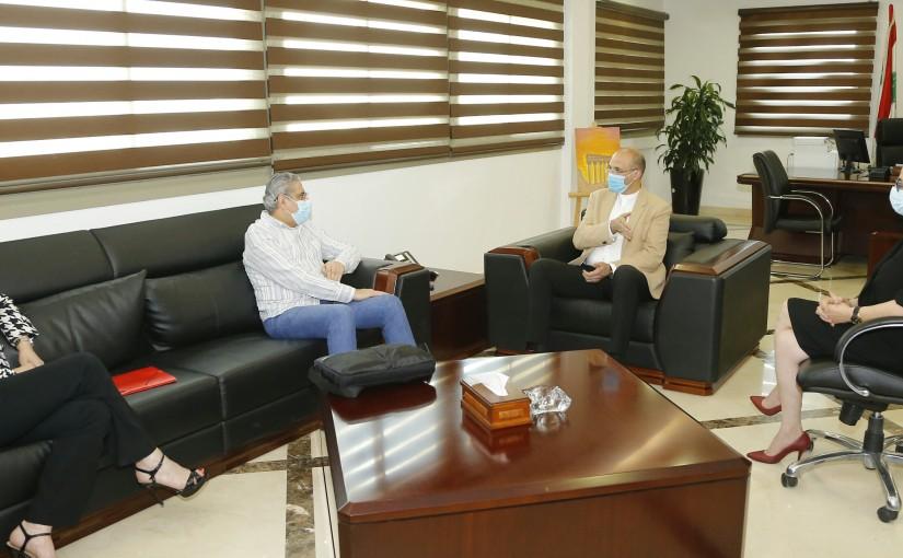 Minister Hassan Hamad meets Mr Fouad Ayoub