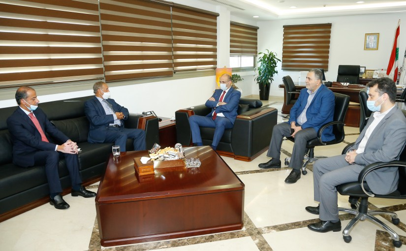 Minister Hassan Hamad meets a Delegation from Kuwait