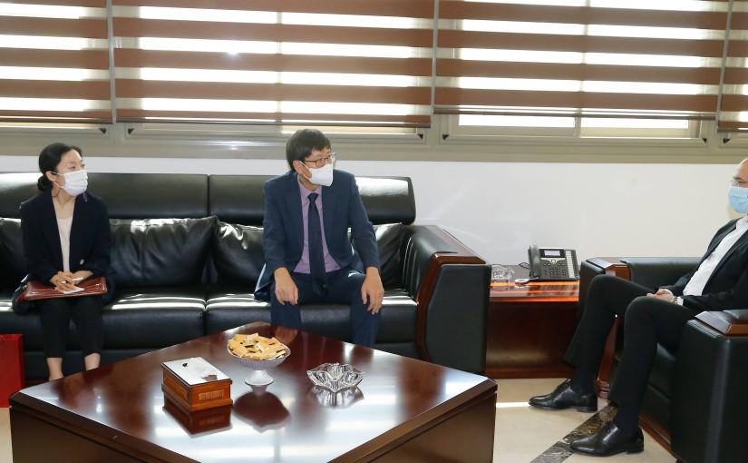 Minister Hassan Hamad meets Korean Ambassador
