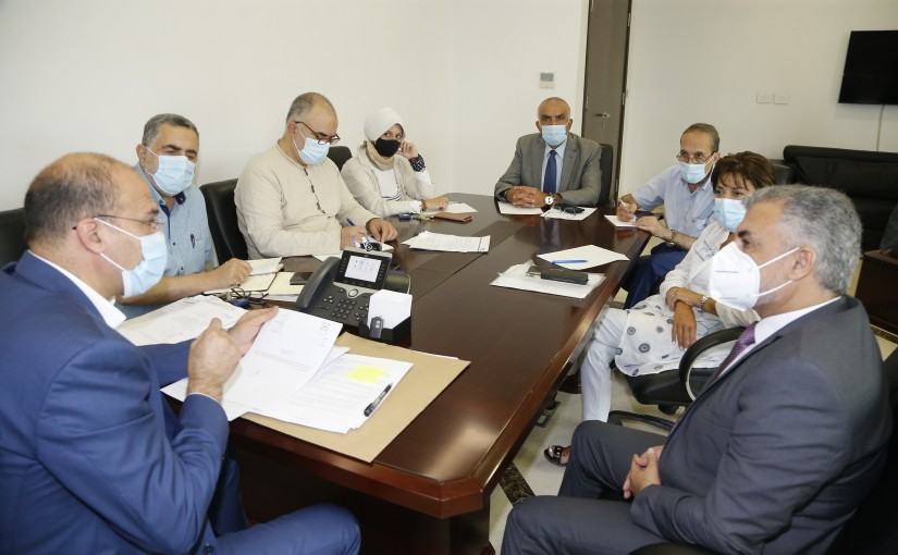 Minister Hassan Hamad meets a Delegation from Medicine Committee