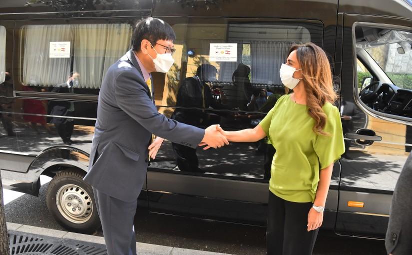Minister Zeina Akkar meets Korean Ambassador