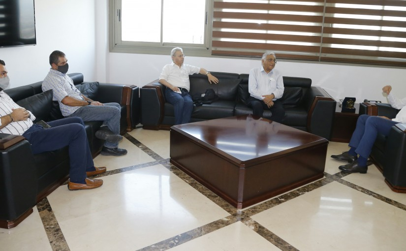 Minister Hassan Hamad meets a Delegation from AUB