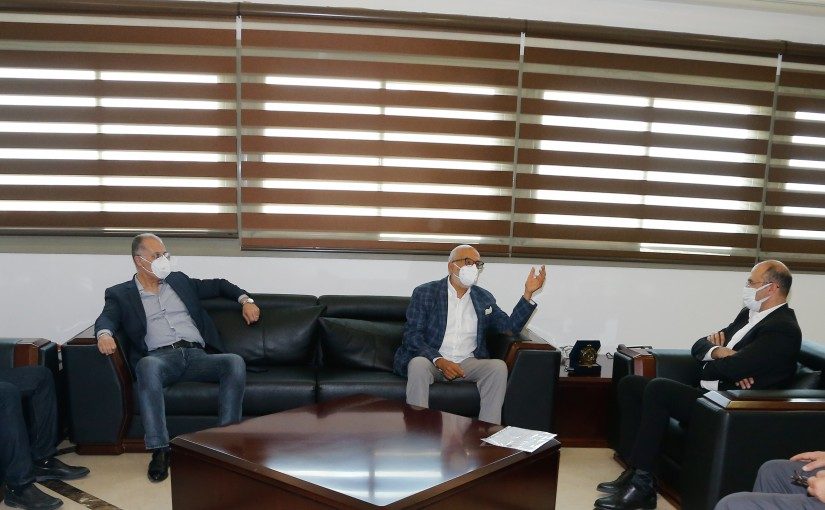 Minister Hassan Hamad meets a Delegation from Democratic Ghathering