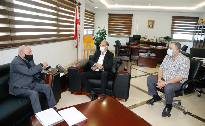 Minister Hassan Hamad meets MP Amine Chari with a Delegation