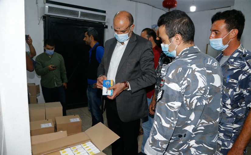 Minister Hassan Hamad Visits Drug store in Tyre