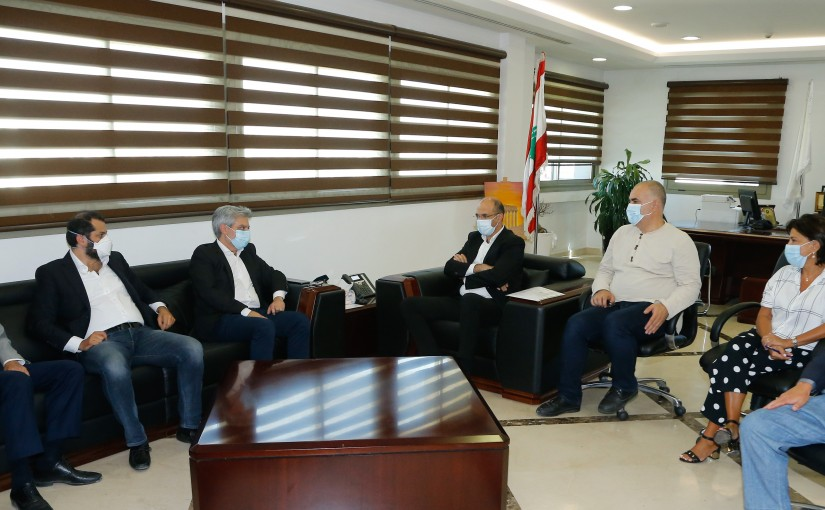 Minister Hassan Hamad meets a Delegation from Lebanese Drug Syndicate