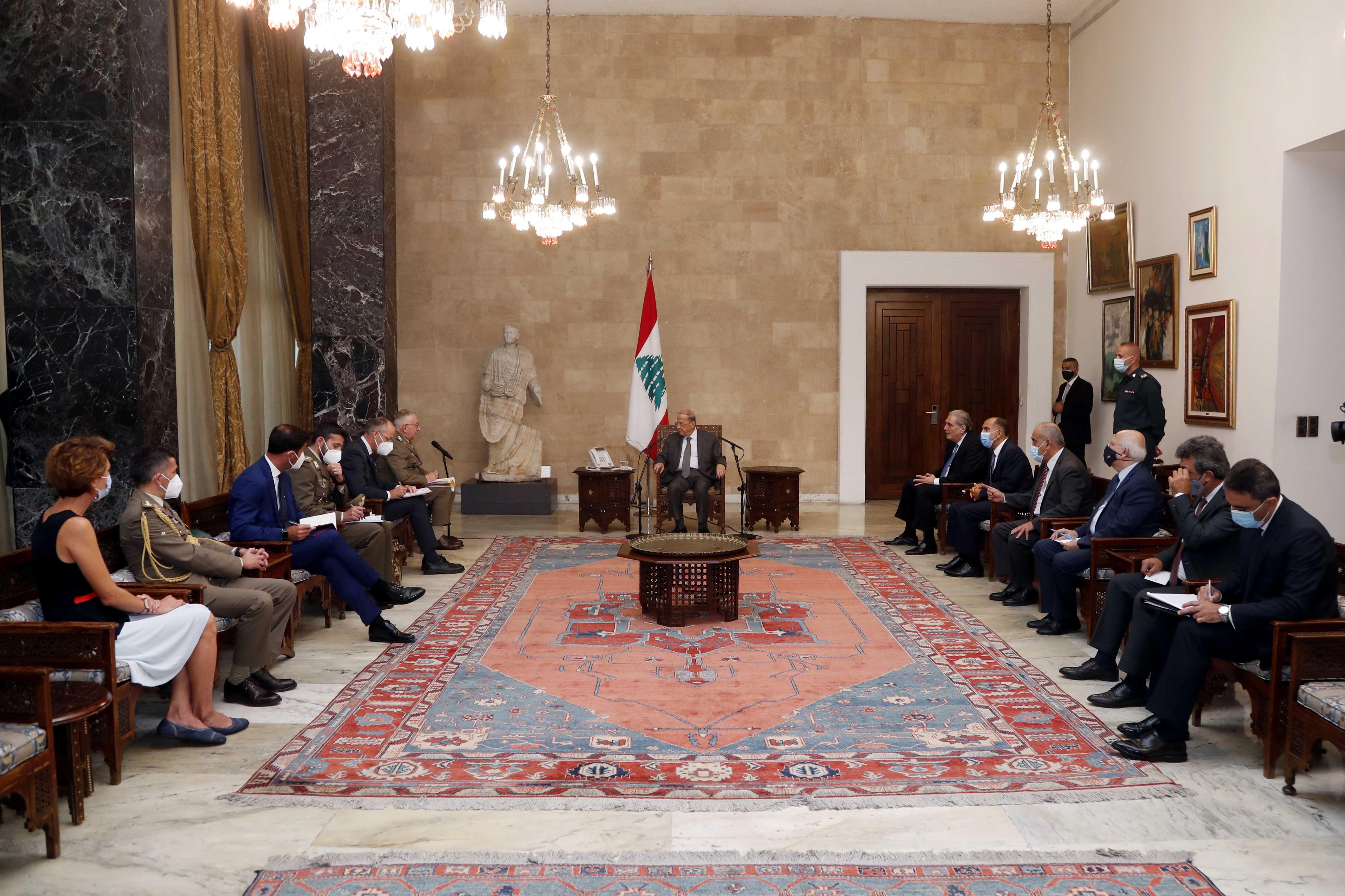 1 - General Claudio Graziano with a delegation (2) copy