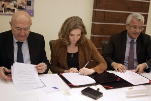Signing Agreement Between Al Mashreq Hospital & Monpelier French Hospital   7